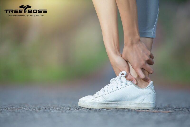 massage lòng bàn chân