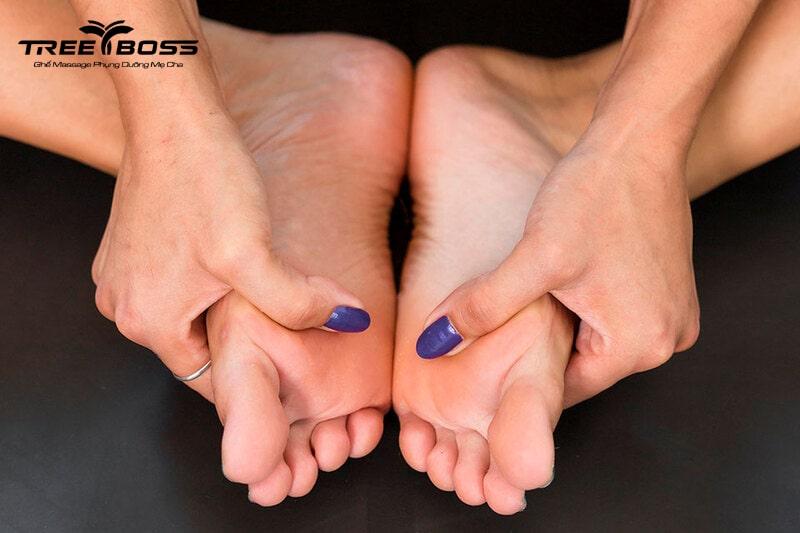 massage bấm huyệt bàn chân