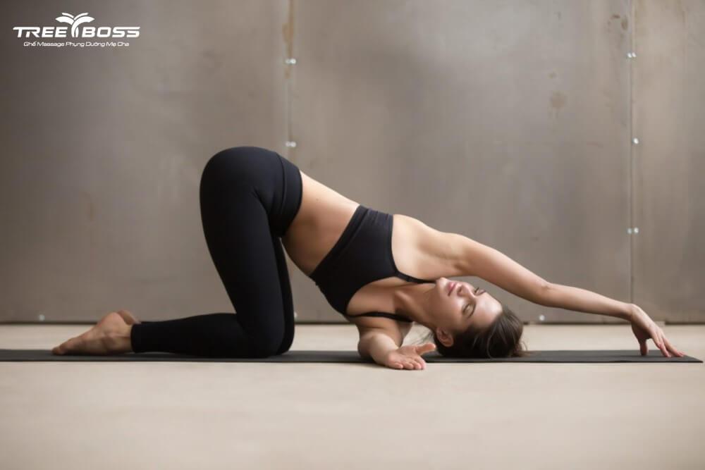 yoga cho người đau vai gáy