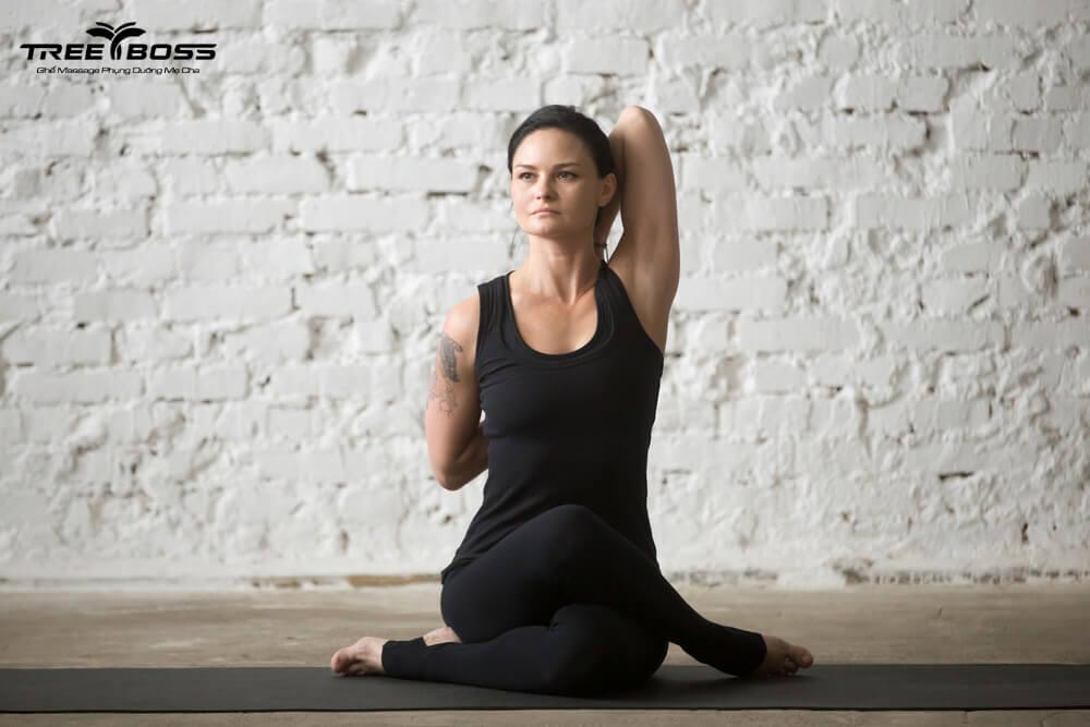 bài tập yoga chữa đau vai gáy